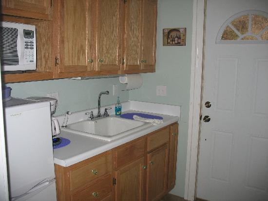 Lucy Maes Guest House: Upstairs kitchenette