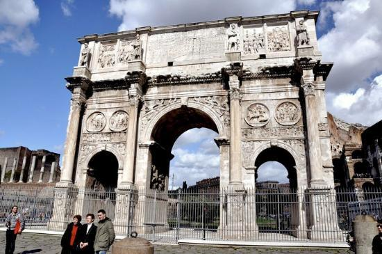 Arco di Costantino: The triumphal arch in more detail
