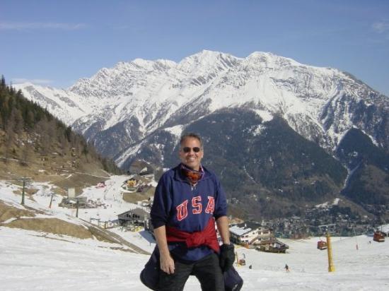 Como, Italia: U.S. Gold Metal SnowBoarder (RIGHT now wake up LOL)