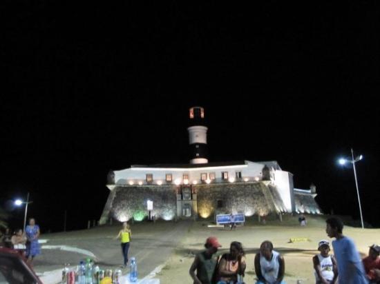 Praia do Porto da Barra : Farol da Barra