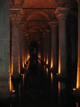 Basilikacisternen: Basilica Cistern... under Istanbul