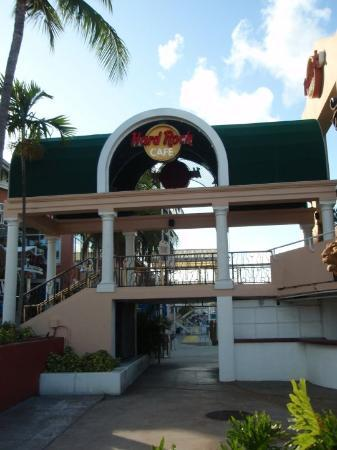 Hard Rock Cafe: Hard Rock Bayside Marketplace