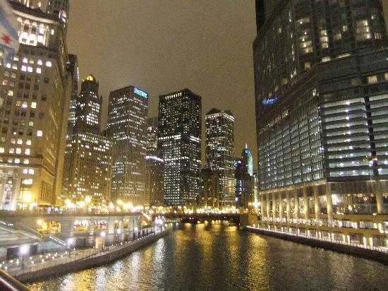 Michigan Avenue Bridge Photo