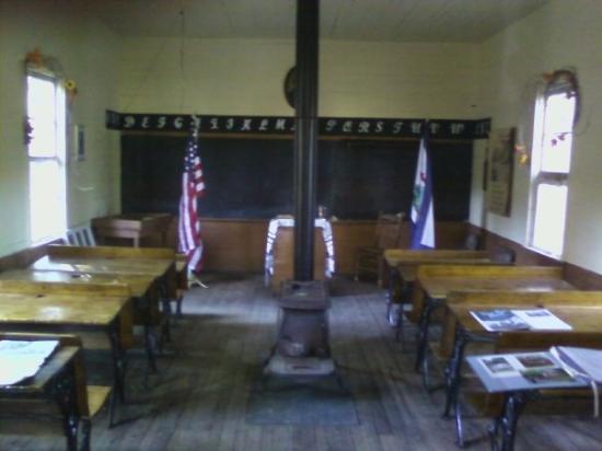 Keyser, Virginie-Occidentale : old school house in WV