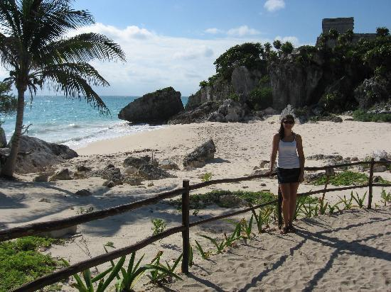 Posada Luna del Sur: Beautiful beach at Tulum Ruins