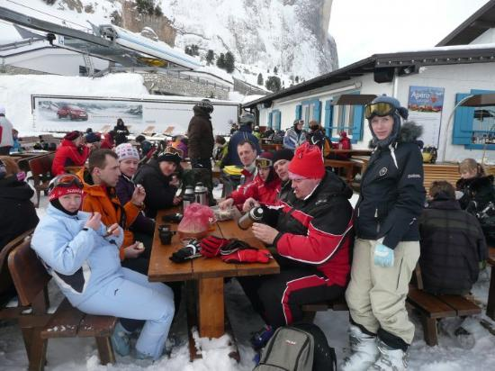 Selva di Val Gardena, Italia: team lunch - big day for Lithuania... but we are so far away... 2010-February-16 1:16 p.m.