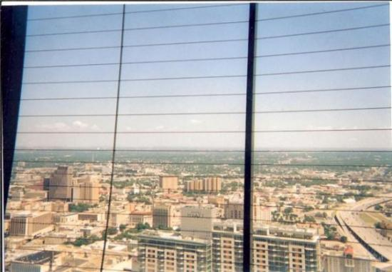 Tower of the Americas: another view of san an from the tower of americas
