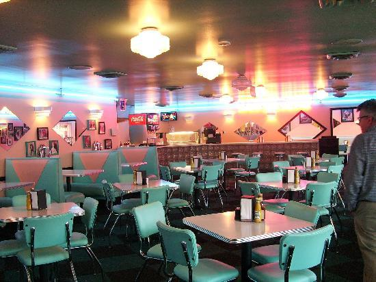 Graceland: Rockabilly's Cafe Interior