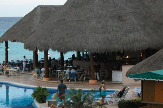 El Cozumeleno Beach Resort: the bar and resturant area from our room