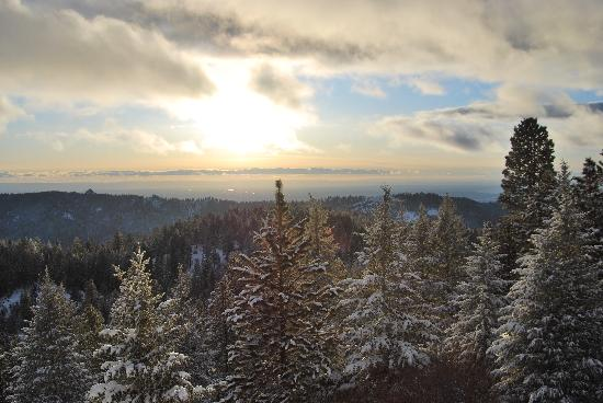 Bogus Basin Mountain Recreation Area: Sunset view from tubing hill area