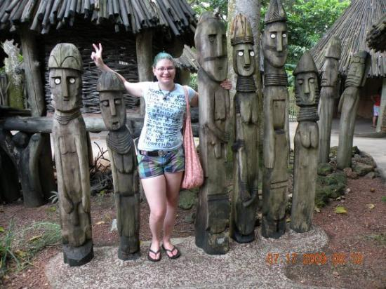 Singapore Zoo: Just chillin with the ancestors