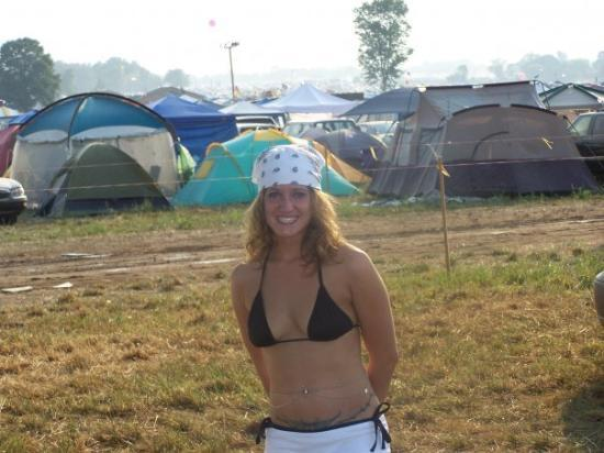 Manchester TN 80000 people sold out at Bonnaroo. Behind me in this picture  sc 1 st  TripAdvisor & 80000 people sold out at Bonnaroo. Behind me in this picture the ...