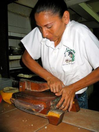 Manzanillo, Mexico: Tortilla making.