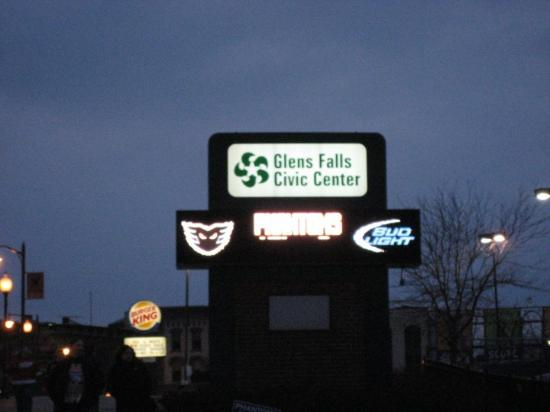 Glens Falls, Nova York: The only video board near the Civic Center