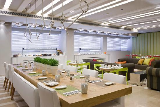 Sadot Hotel : dinning area