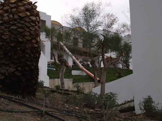 Lagas Aegean Village: knocking it down