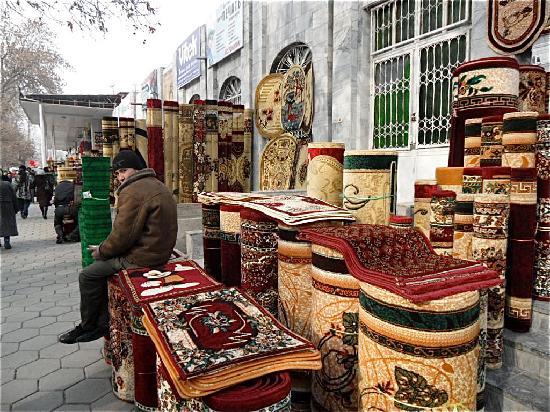 Fergana, أوزبكستان: Fergana  Strasse
