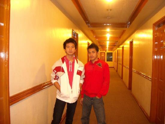 Prince Plaza Hotel: hallway