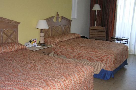 Iberostar Rose Hall Beach Hotel: Our room