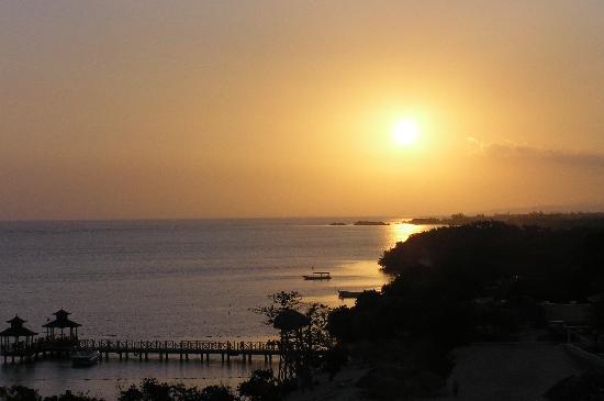 Iberostar Rose Hall Beach Hotel: Sunrise seen from balcony