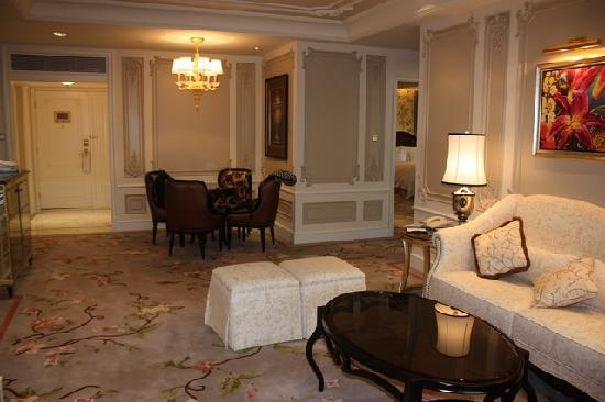 L'Arc Hotel Macau: Director Suite - Sitting Room 2