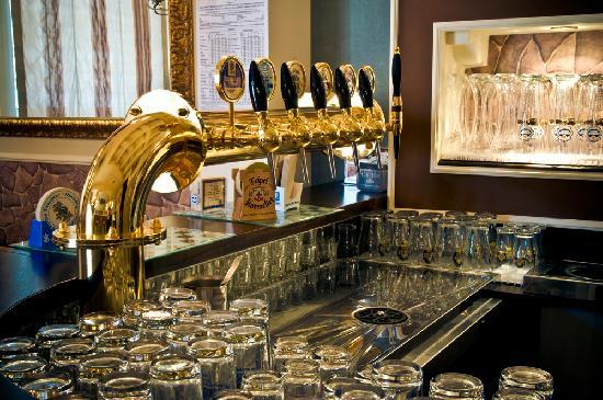 Scotland Yard Pub : bancone