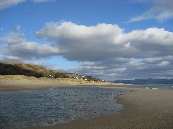 Aberdyfi (Aberdovey), UK: Looking towards Aberdovey