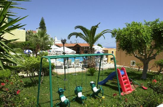 Koutouloufari, Greece: Playground