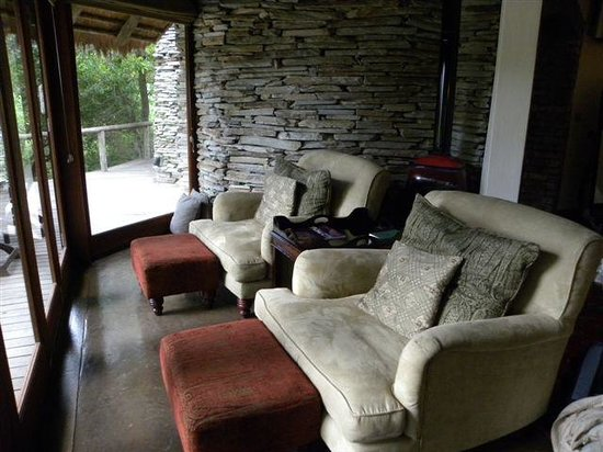 Tintswalo Safari Lodge: sitting area in room