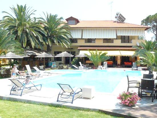 Hotel Vergos: wimming pool