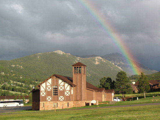 YMCA of the Rockies: Rainbow over Hyde Chapel.