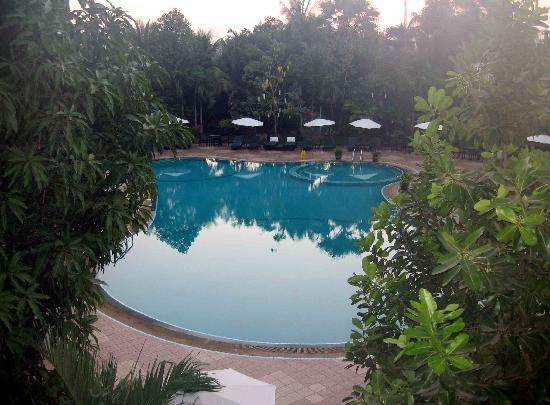 Borei Angkor Resort & Spa: Nice pool area