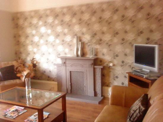 Dunmor House: Residents lounge
