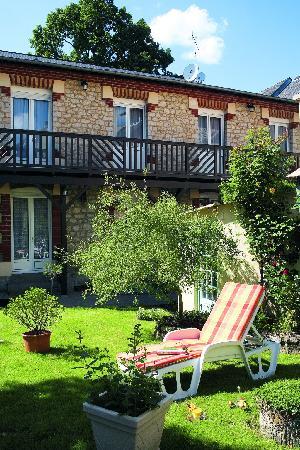 Logis Le Normandie : Le jardin