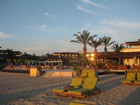 JW Marriott Guanacaste Resort & Spa: Resort from beach
