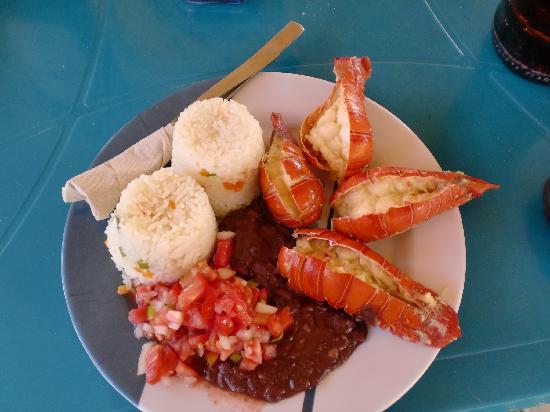 Buena Onda Beach Resort: Sunday Lunch