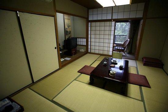 Yoshidaya: Habitación