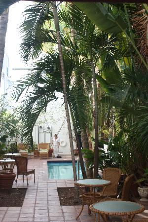 The President Hotel - Miami Beach: Hotel's Internal Courtyard