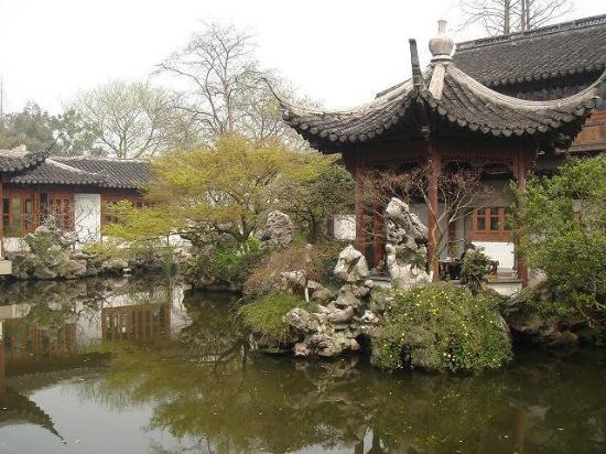 Back garden of Guozhuang - Hangzhou, China (Photo by QH)