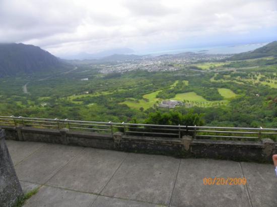 Nuuanu Pali Lookout: Pali Lookout View