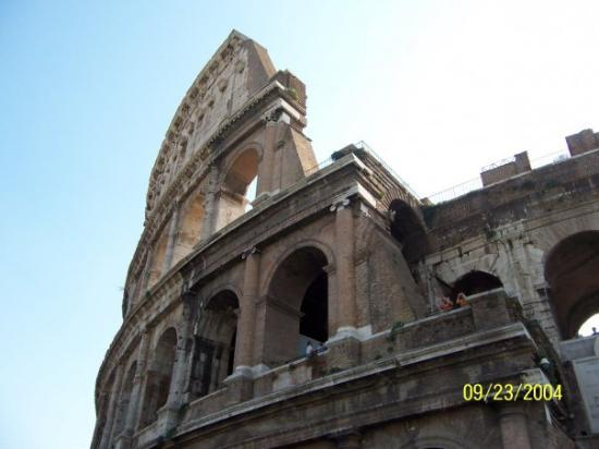 Colosseum: my FAVORITE part of Italy...