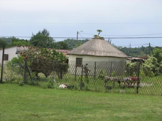 Durban, Sør-Afrika: typical village home in South Africa