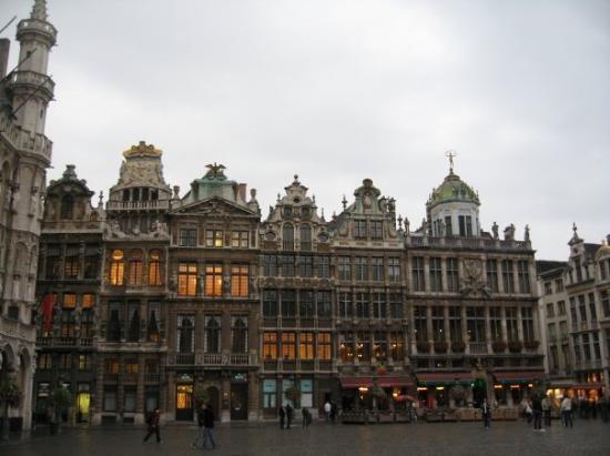 Grand-Place: Otro lado de la Grand Place...jeje
