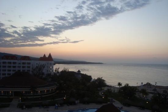 Grand Bahia Principe Jamaica: Jamaica...sun setting.