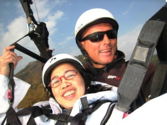 Definitely fun! Tandem flight in Pokhara with Jurghen