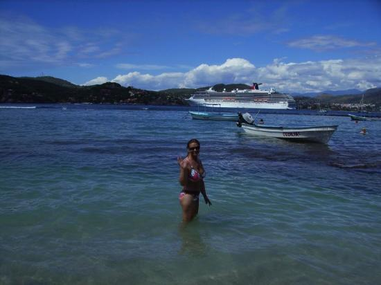 Playa La Ropa beach, Zihuatanejo