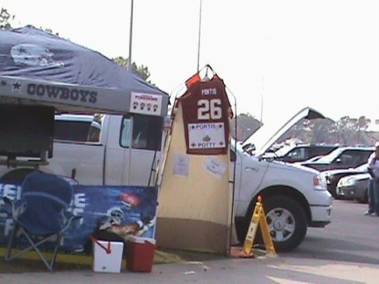 Dallas, TX: portis potty!!    lol  :)