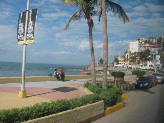 Paseo Olas Altas (seaside boulevard), Mazatlan