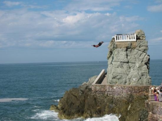 Cliff diver, Mazatlan