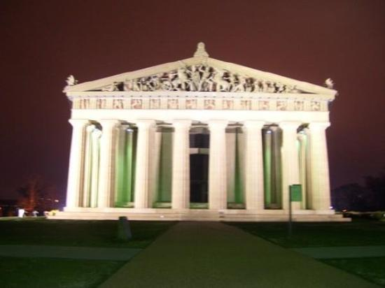 Nashville, TN: Parthenon at night